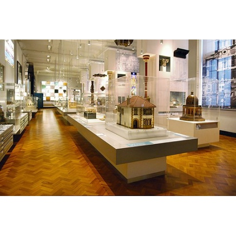 Acrylic Museum Cases at V & A Museum
